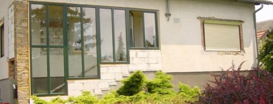 Vorher: Fassade Niederschleinz