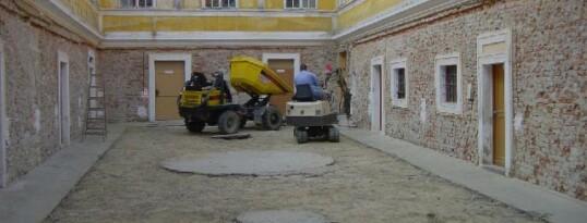Vorher: Innenhofrenovierung Pfarrhof Ravelsbach