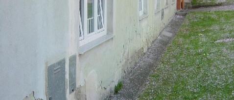 Vorher: Traufenpflaster Großweikersdorf