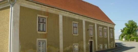 Vorher: Fassade Gettsdorf