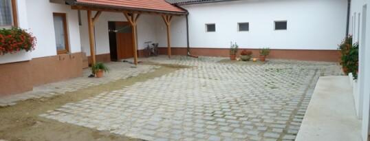 Vorher: Pflaster Dippersdorf